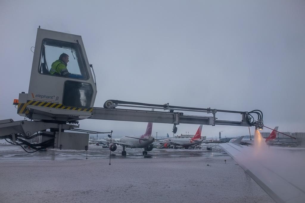De-icing at Domodedovo