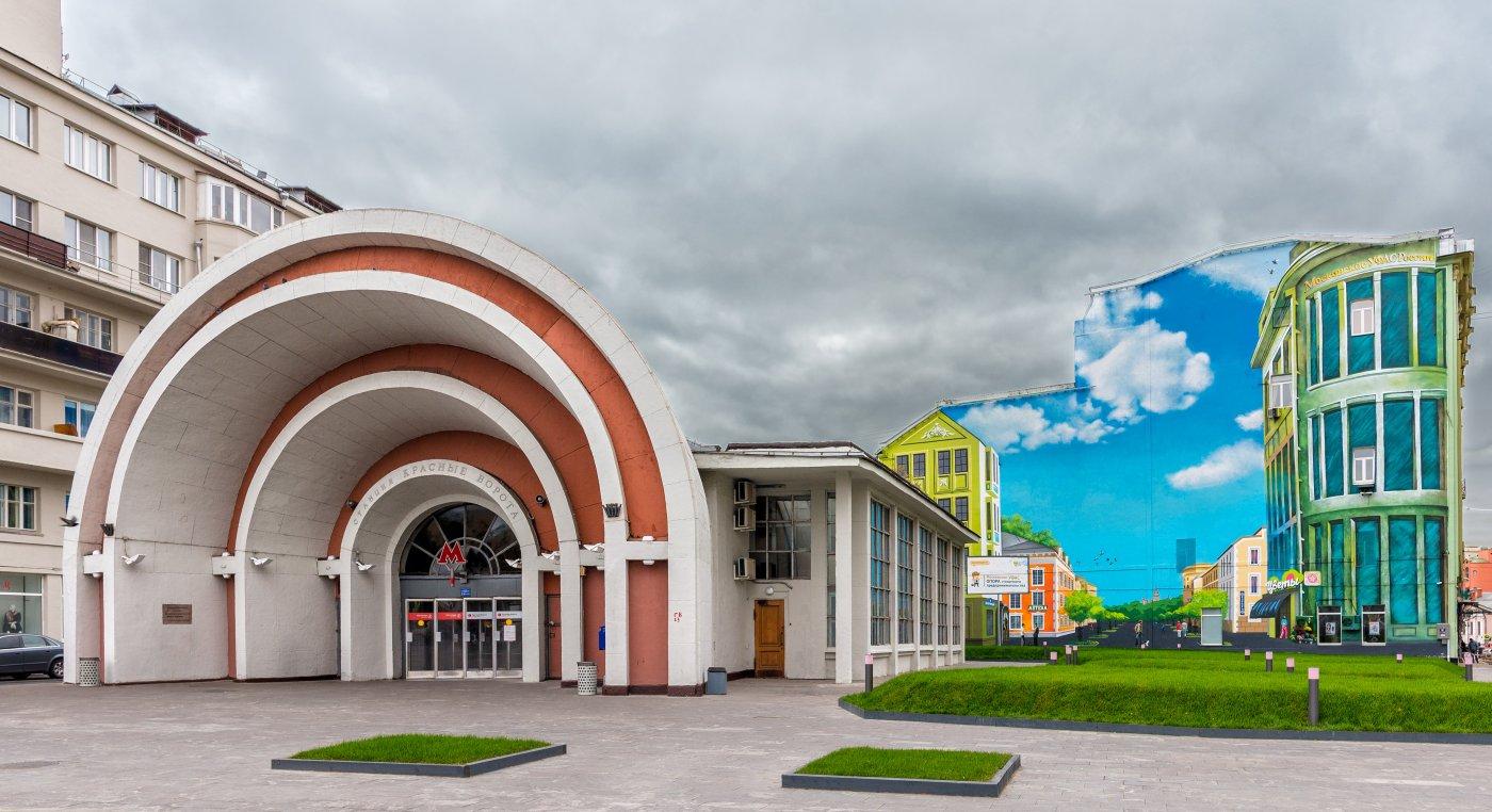 The story of entrance to Krasnye Vorota