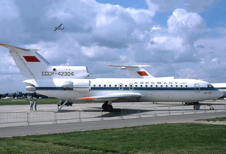 Yakovlev_Yak-42,_Aeroflot_AN0792173